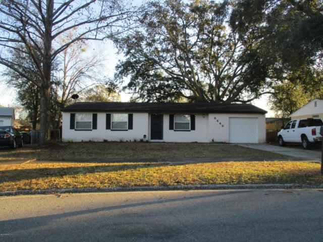 8446 Red Holly Ln, Jacksonville, FL 32221 (MLS #918179) :: EXIT Real Estate Gallery
