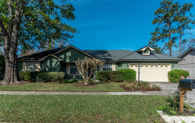10086 Delano Dr E, Jacksonville, FL 32257 (MLS #921744) :: EXIT Real Estate Gallery