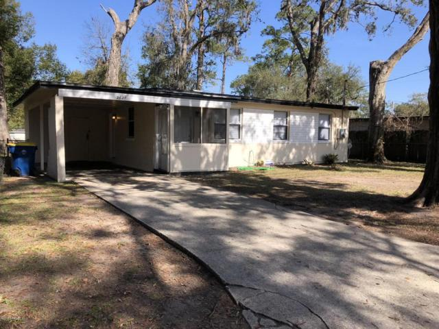 2621 Lowes Pl, Jacksonville, FL 32208 (MLS #921792) :: EXIT Real Estate Gallery