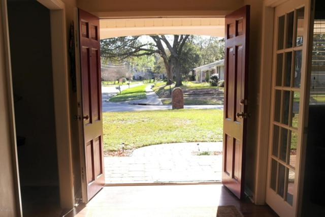 9415 Whittington Dr, Jacksonville, FL 32257 (MLS #922778) :: EXIT Real Estate Gallery