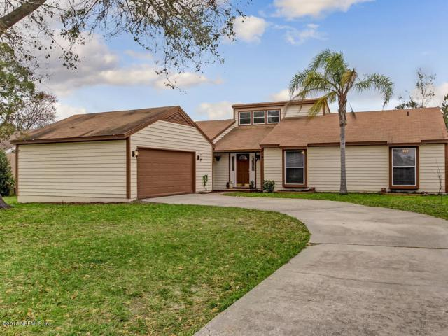 7140 Holiday Hill Ct, Jacksonville, FL 32216 (MLS #923258) :: The Hanley Home Team
