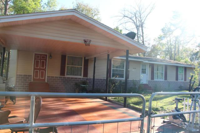 7636 Stuart Ave, Jacksonville, FL 32220 (MLS #926102) :: The Hanley Home Team