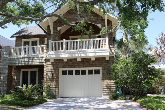 355 11TH St, Atlantic Beach, FL 32233 (MLS #931096) :: RE/MAX WaterMarke