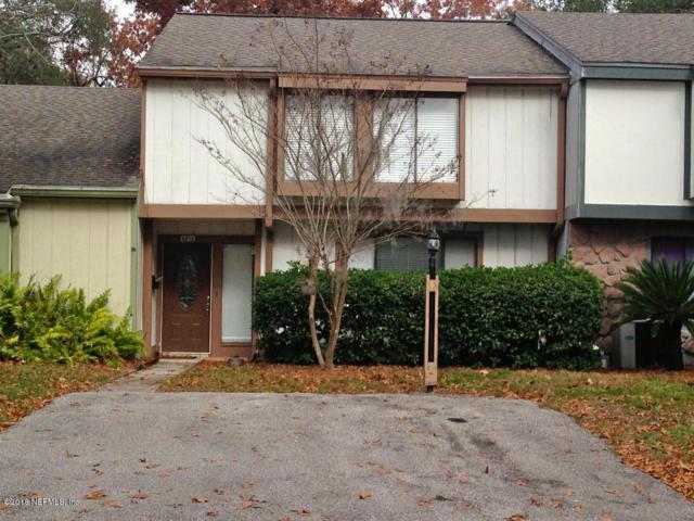 6219 Lake Lugano Dr, Jacksonville, FL 32256 (MLS #932632) :: Memory Hopkins Real Estate