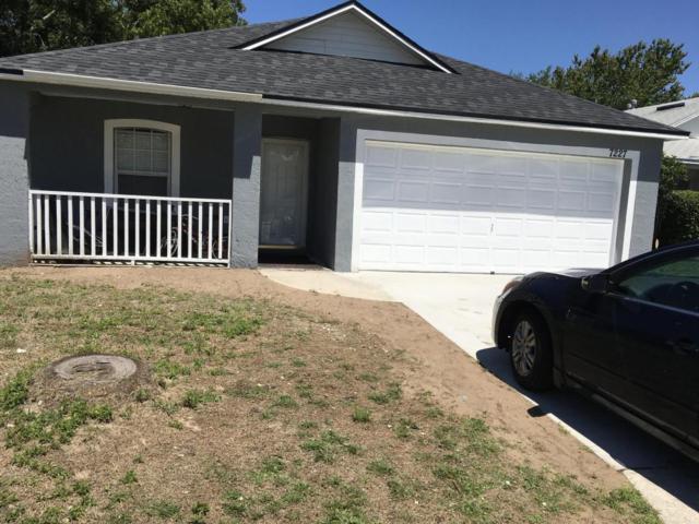 7227 Lawn Tennis Ln, Jacksonville, FL 32277 (MLS #932919) :: The Hanley Home Team