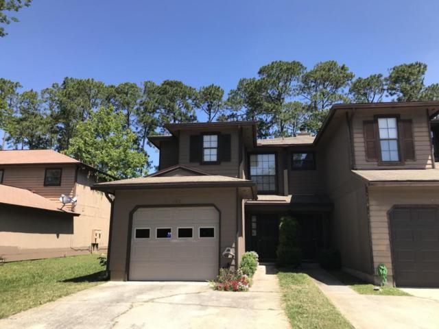 3927 Laurelwood Dr, Jacksonville, FL 32257 (MLS #934897) :: EXIT Real Estate Gallery