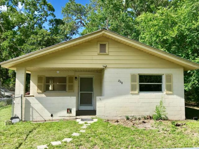 208 Harris St E, Palatka, FL 32177 (MLS #935148) :: EXIT Real Estate Gallery