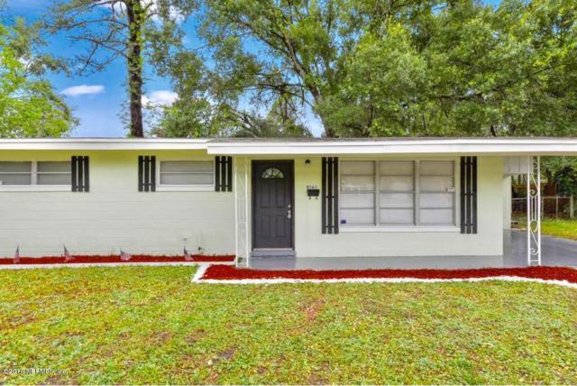 8565 Laurens Rd, Jacksonville, FL 32208 (MLS #937002) :: The Hanley Home Team