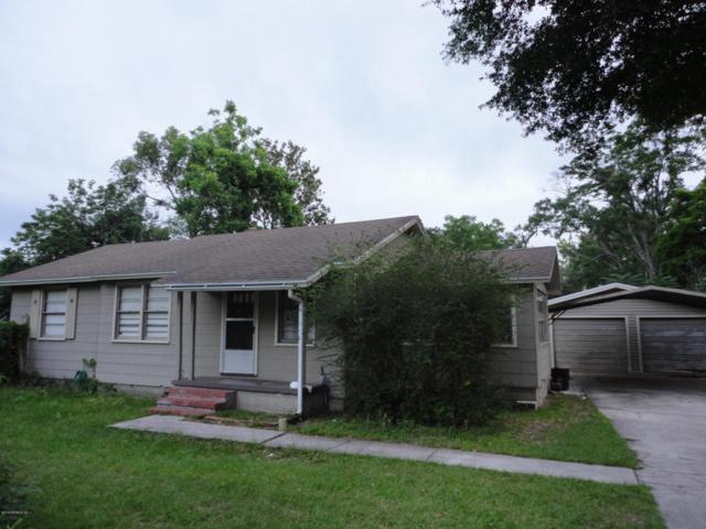 9022 Van Buren Ave, Jacksonville, FL 32208 (MLS #937290) :: The Hanley Home Team