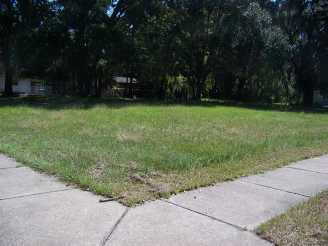 419 N 10TH St, Palatka, FL 32177 (MLS #938394) :: Memory Hopkins Real Estate