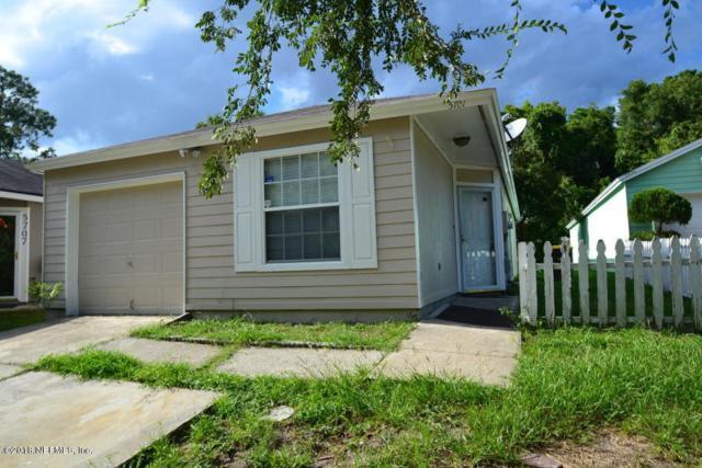 5701 Ellis Trace Dr, Jacksonville, FL 32205 (MLS #938599) :: The Hanley Home Team