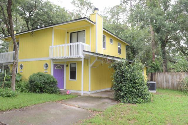 2020 Lakeview Ct, Atlantic Beach, FL 32233 (MLS #939178) :: Memory Hopkins Real Estate