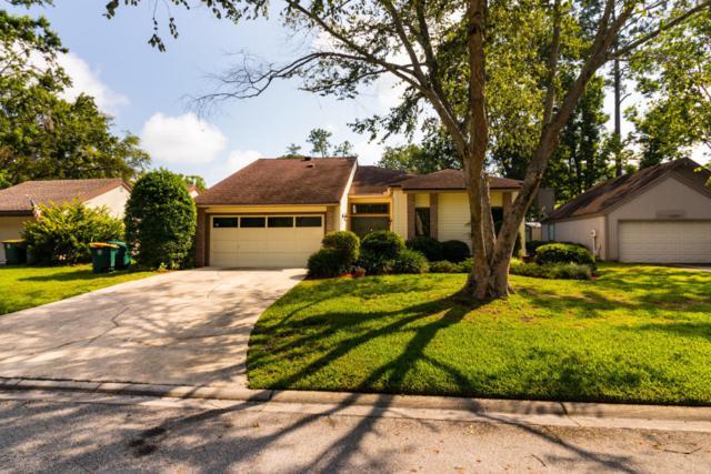 11267 Southington Pl, Jacksonville, FL 32257 (MLS #943276) :: EXIT Real Estate Gallery