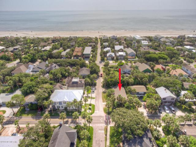 272 3RD St, Atlantic Beach, FL 32233 (MLS #943651) :: EXIT Real Estate Gallery