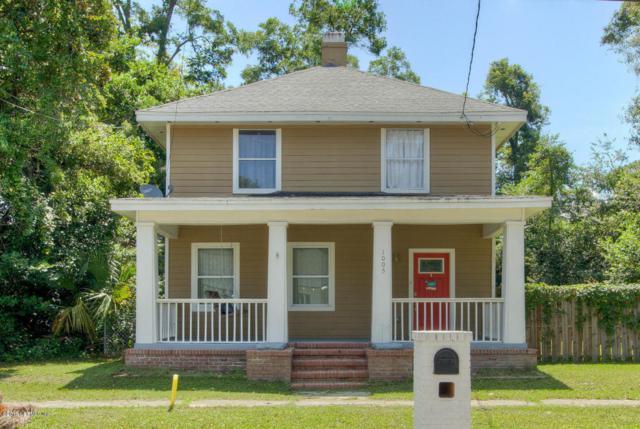 1005 Hamilton St, Jacksonville, FL 32205 (MLS #945579) :: EXIT Real Estate Gallery