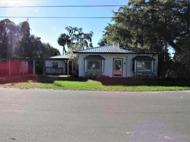 701 Front St, Welaka, FL 32193 (MLS #947824) :: Memory Hopkins Real Estate
