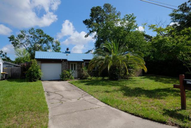 8225 Cheryl Ann Ln, Jacksonville, FL 32244 (MLS #948114) :: EXIT Real Estate Gallery
