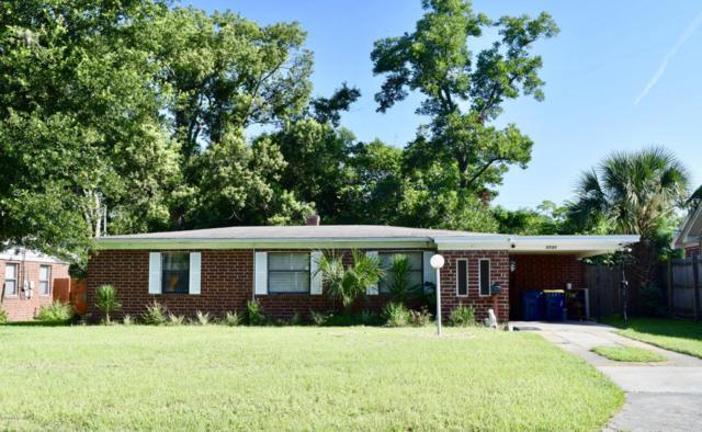 5733 Lake Lucina Dr N, Jacksonville, FL 32211 (MLS #950037) :: EXIT Real Estate Gallery