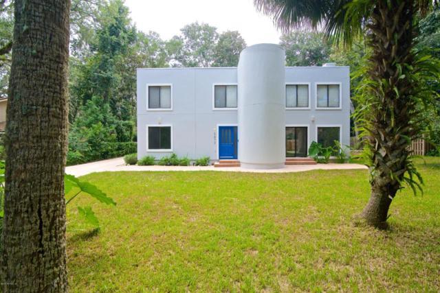 1872 Hickory Ln, Atlantic Beach, FL 32233 (MLS #950267) :: The Hanley Home Team