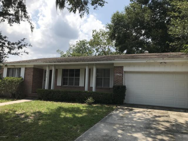 3964 University Club Blvd, Jacksonville, FL 32277 (MLS #957006) :: The Hanley Home Team