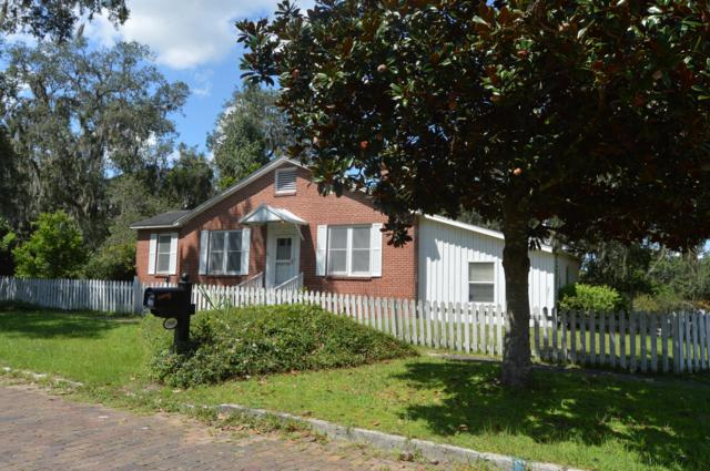 1800 Carr St, Palatka, FL 32177 (MLS #957178) :: Memory Hopkins Real Estate