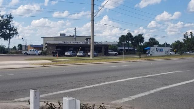8074 Main St N, Jacksonville, FL 32208 (MLS #957628) :: EXIT Real Estate Gallery