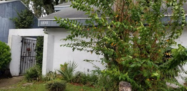 1235 N Bayshore Dr, Jacksonville, FL 32233 (MLS #960025) :: The Hanley Home Team