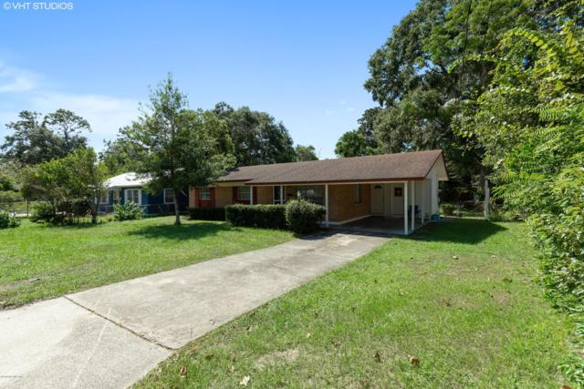 210 Husson Ave, Palatka, FL 32177 (MLS #961159) :: EXIT Real Estate Gallery