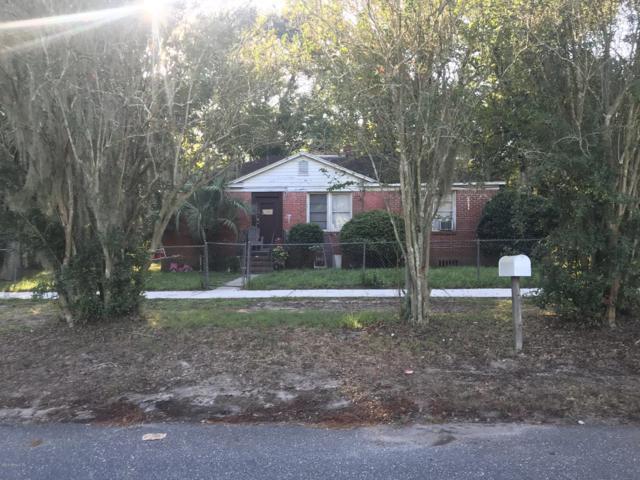 1000 Lake Forest Blvd, Jacksonville, FL 32208 (MLS #962234) :: The Hanley Home Team