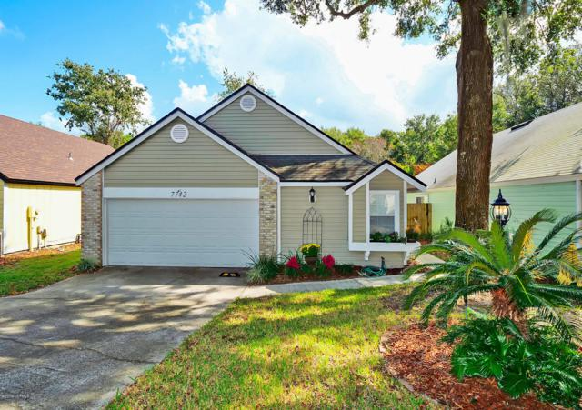 7742 Leesburg Dr S, Jacksonville, FL 32277 (MLS #962709) :: EXIT Real Estate Gallery
