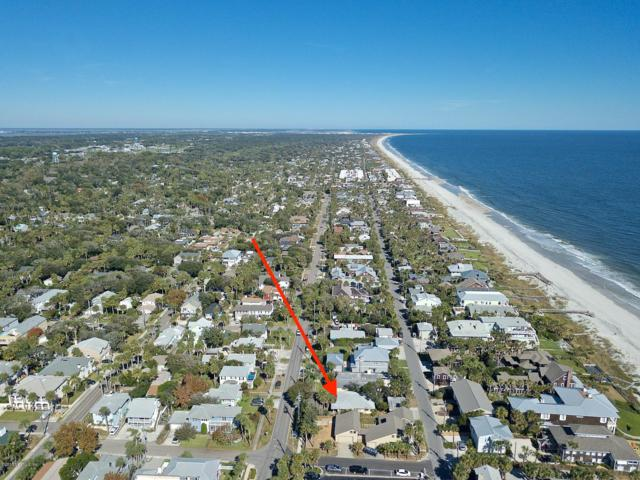 128 Beach Ave, Atlantic Beach, FL 32233 (MLS #964703) :: Memory Hopkins Real Estate
