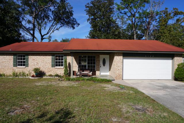 6123 Post Oak Rd W, Jacksonville, FL 32277 (MLS #968821) :: The Hanley Home Team