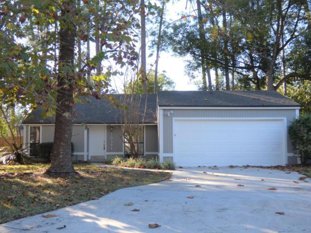 10324 Arrow Lakes Dr E, Jacksonville, FL 32257 (MLS #969885) :: The Hanley Home Team