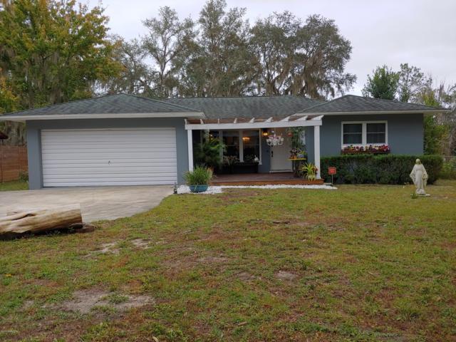822 Lake Shore Ter, Interlachen, FL 32148 (MLS #970403) :: Ponte Vedra Club Realty | Kathleen Floryan