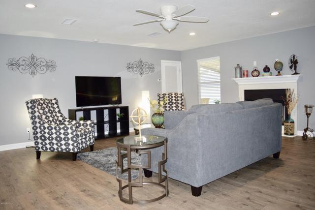 2365 Peach Dr, Jacksonville, FL 32246 (MLS #972916) :: Ancient City Real Estate