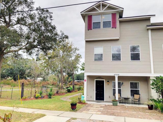 87229 Lents Rd, Yulee, FL 32097 (MLS #974247) :: EXIT Real Estate Gallery