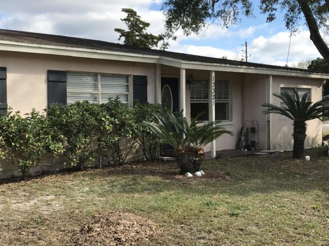 13321 Gillespie Ave, Jacksonville, FL 32218 (MLS #974738) :: The Hanley Home Team