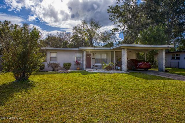 7912 Chateau Dr S, Jacksonville, FL 32221 (MLS #976081) :: The Hanley Home Team
