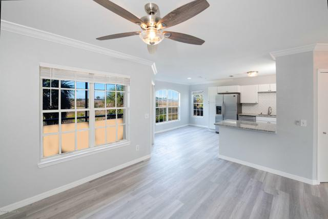 1701 The Greens Way #2023, Jacksonville Beach, FL 32250 (MLS #979706) :: The Hanley Home Team