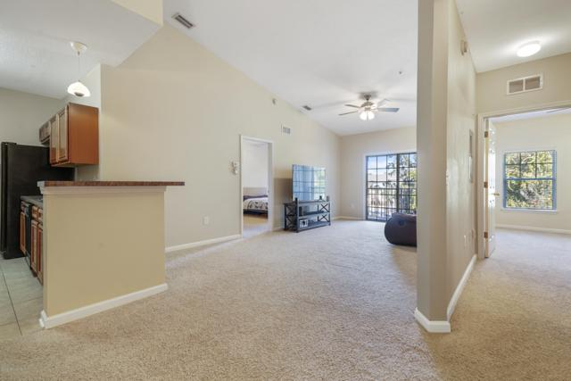 8227 Lobster Bay Ct #306, Jacksonville, FL 32256 (MLS #985320) :: Berkshire Hathaway HomeServices Chaplin Williams Realty