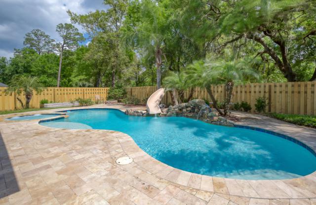 11371 Emilys Crossing Ct, Jacksonville, FL 32257 (MLS #987543) :: The Hanley Home Team
