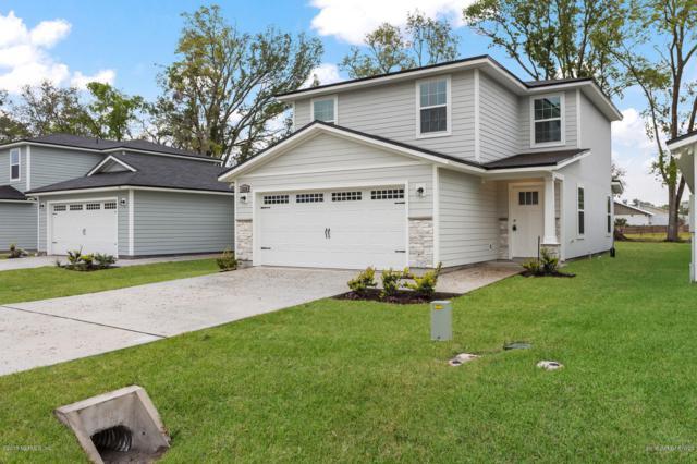 8475 Thor St, Jacksonville, FL 32216 (MLS #987631) :: The Hanley Home Team