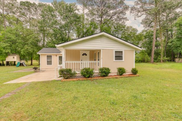 7015 Hardenbrook Ln, Jacksonville, FL 32244 (MLS #987818) :: The Edge Group at Keller Williams