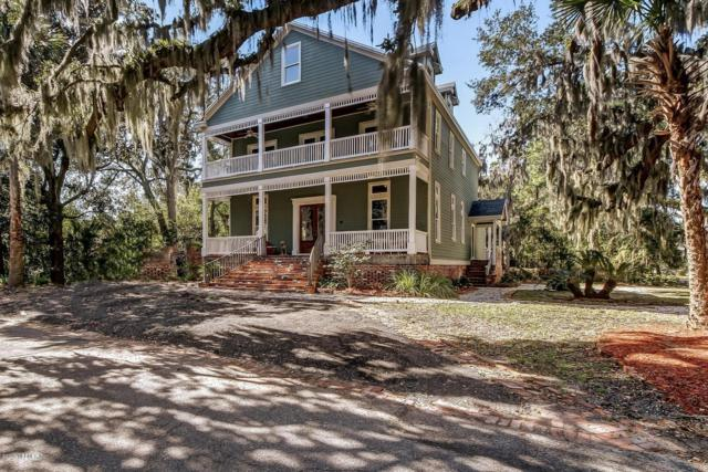 103 S 10TH St, Fernandina Beach, FL 32034 (MLS #990571) :: Memory Hopkins Real Estate