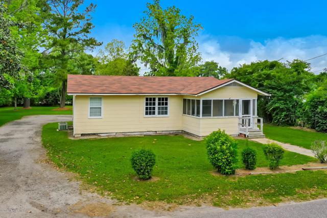 37394 W 3RD St, Hilliard, FL 32046 (MLS #993422) :: Memory Hopkins Real Estate