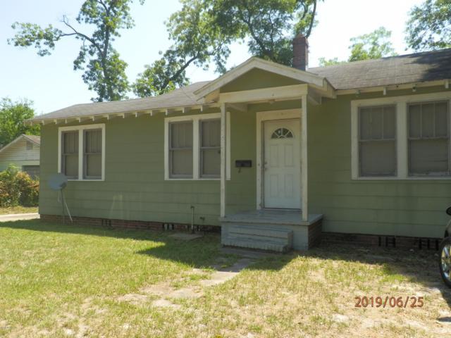 7255 Smyrna St, Jacksonville, FL 32208 (MLS #998480) :: The Hanley Home Team