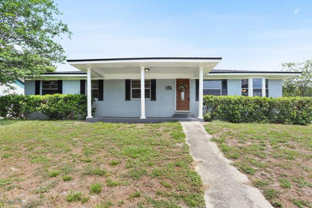 6029 Gumwood Dr, Jacksonville, FL 32277 (MLS #998959) :: The Hanley Home Team