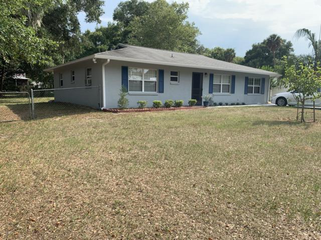 205 Magnolia Ave, Crescent City, FL 32112 (MLS #999017) :: The Hanley Home Team