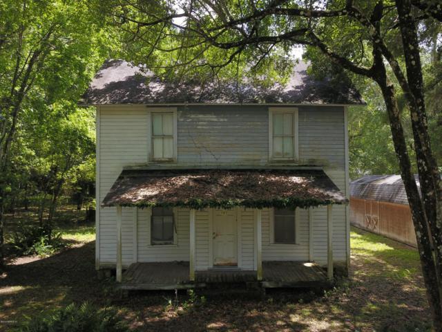 101 Washington St, Interlachen, FL 32148 (MLS #1001720) :: Ancient City Real Estate