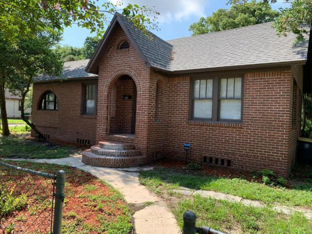 506 W 67TH St, Jacksonville, FL 32208 (MLS #1010476) :: The Hanley Home Team
